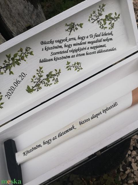 Apaköszöntő szett - dobozban kalapács, esküvőre vagy más ünnepi alkalomra. :-) - RENDELHETŐ - Meska.hu