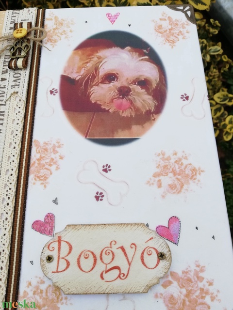 Bogyó kutyus fotóalbuma, egyedi mintával, csontokkal és fotóval. :-) - Meska.hu