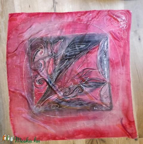 Kézzel festett hernyóselyem kendő 90x90 cm (K002) - Meska.hu