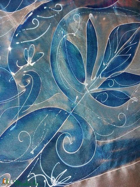 Kézzel festett hernyóselyem sál - 45x180 cm - NS011 - Meska.hu