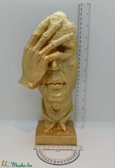 Nem lát,nem hall,nem beszél absztrakt férfi arc szobrok.  (Smoncsy) - Meska.hu