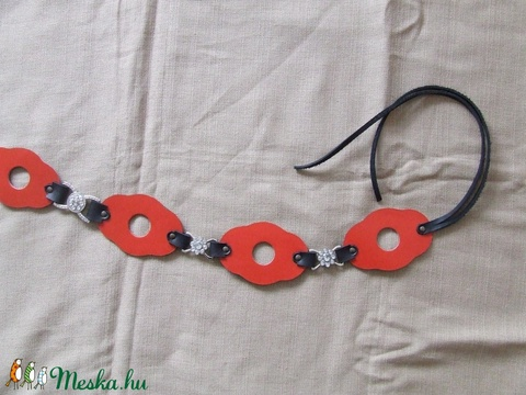 Különleges piros-fekete női öv (spalti51) - Meska.hu