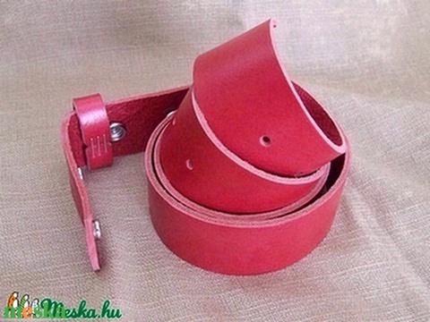 Piros patentos öv (spalti51) - Meska.hu