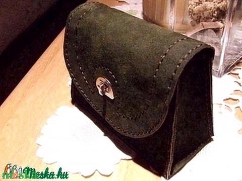 Kozmetikai táska-neszesszer olajzöld hasított bőrből-esetleg pipatartó tatyó - Meska.hu