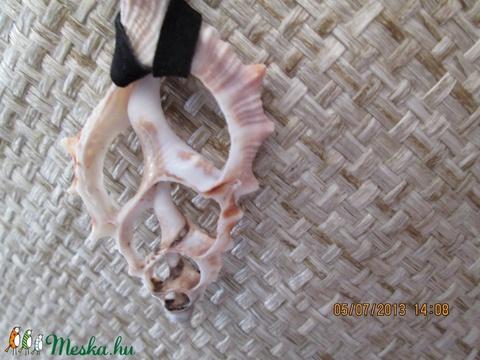 KÉSZLETKISÖPRÉS!!!!!  Szeletelt kagyló nyaklánc - Meska.hu