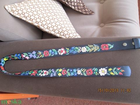 Bőr karkötő kalocsai mintával festve!!! - Meska.hu