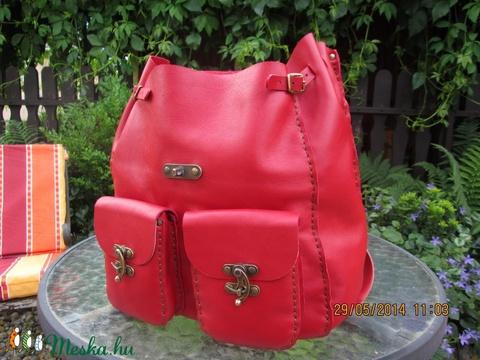 Csodaszép piros színű hátizsák - Meska.hu