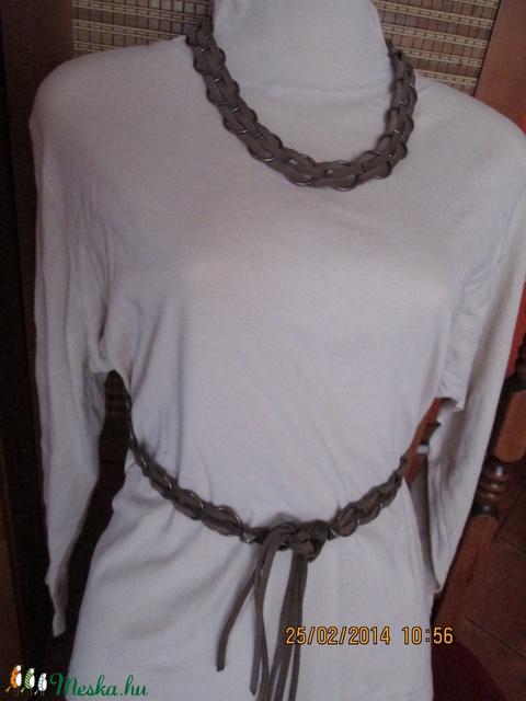 AKCIÓ!!Szett-nyaklánc,karkötő és öv karikákból és bőrszálakból - Meska.hu