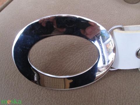 Patentos öv bőrfűzéssel díszítve,egy különleges övcsattal - Meska.hu