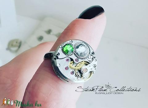 Miss Gretchen Withlock - swarovskival díszített gyűrű  (SteamPlum) - Meska.hu