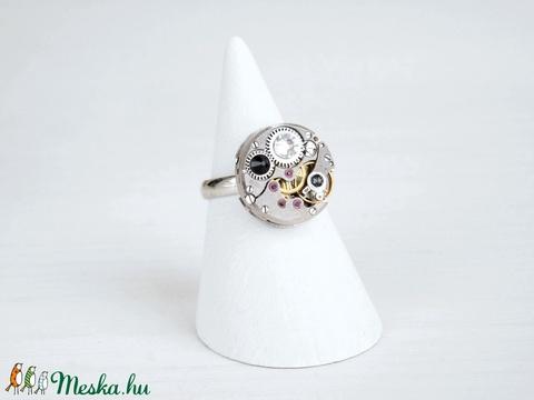 Miss Darcy Withlock - swarovskival díszített gyűrű  (SteamPlum) - Meska.hu