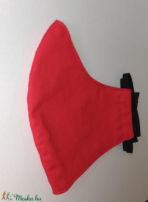 Piros maszk - 3-as méret (sudarnekriszti) - Meska.hu