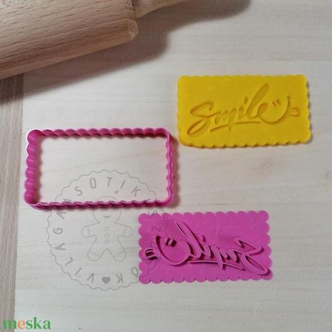 Smile feliratú - süteménykiszúró forma, sütipecsét. Sütikiszúró. Linzer, mézeskalács, keksz kiszúró - Meska.hu