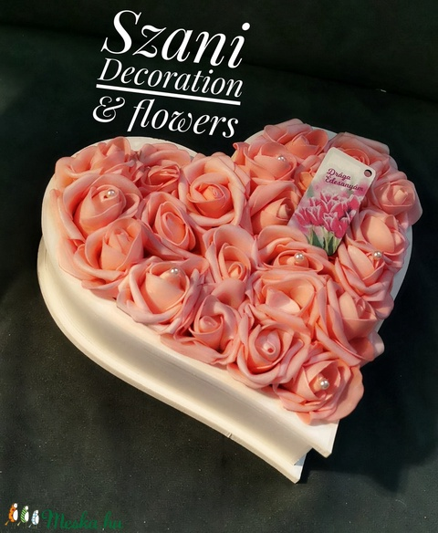 Anyák napi ajándék szív alakú dobozban - Meska.hu