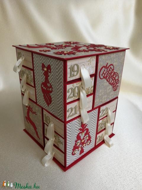 Adventi naptár piros-krém-aranyban (Szincsi) - Meska.hu