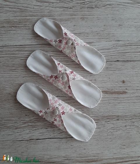 Tisztasági betét, intim betét, fehér alapon bézs, rózsaszín virágos pamutvászonból,NoWaste (szivecskemania) - Meska.hu