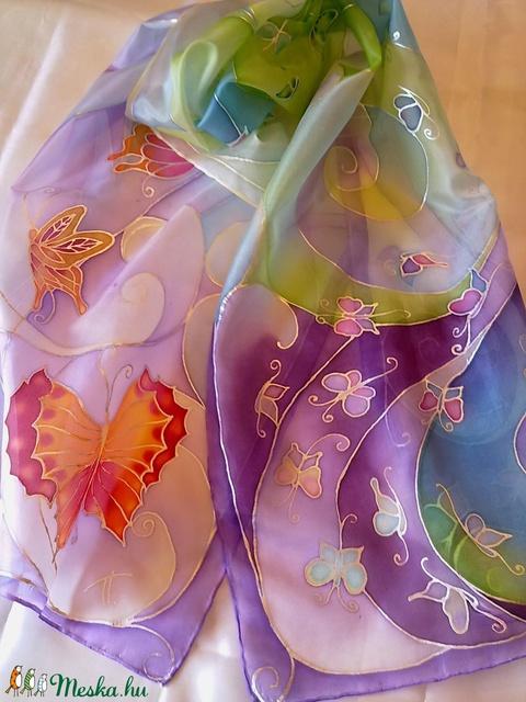 Levegő-pillangó kézzel festett selyemsál (Tercsill) - Meska.hu