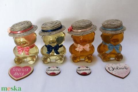 Anyák napi mézes macik díszdobozban világos rózsaszín, világoskék masnival - Meska.hu