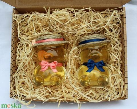 Anyák napi mézes macik díszdobozban sötét rózsaszín, sötét kék masnival - Meska.hu