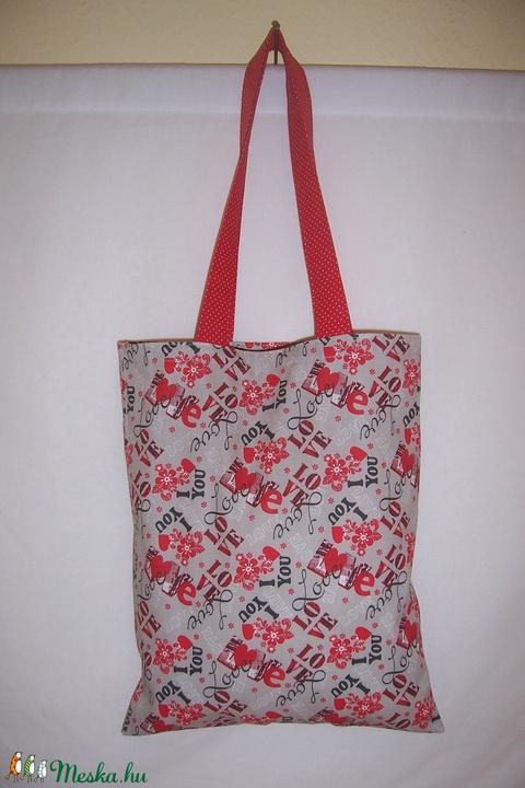 Love feliratos kis táska  (textilcseppek) - Meska.hu