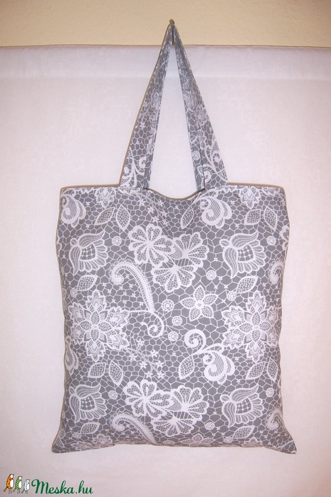Szürke csipke mintás táska normál füllel (textilcseppek) - Meska.hu