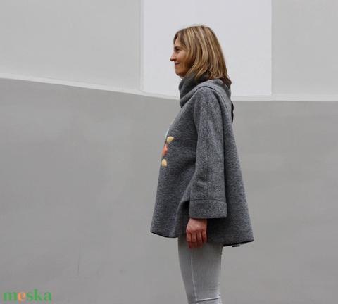 Világosszürke pasztell mandala mintás gyapjú poncsó (tiame) - Meska.hu
