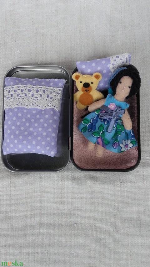 Kata baba játék macijával mobil telefonos dobozban (tozsu11) - Meska.hu