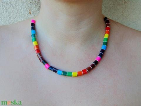 Szivárvány színű színes ceruza nyaklánc ékszer rajztanároknak képzőművészeknek festőművészeknek - 2 (Trashman) - Meska.hu