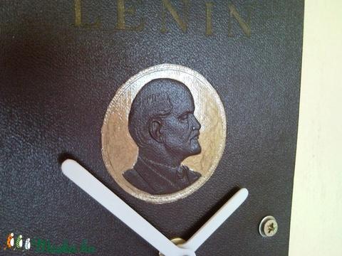 Lenin újratöltve! Könyv falióra, asztali óra dombornyomott arany portréval történelem tanároknak férfiaknak (Trashman) - Meska.hu