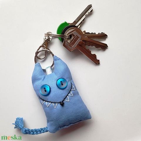 Kék farkas kulcstartó - Meska.hu