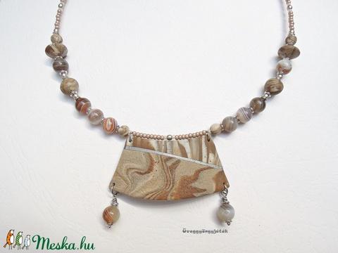 Homokdűne  -  Nyaklánc ásvánnyal (uveggyongyjatek) - Meska.hu