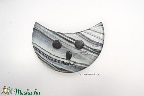 Ezüst Cirmi  -  kitűző, bross, cica kitűző, macska kitűző, (uveggyongyjatek) - Meska.hu