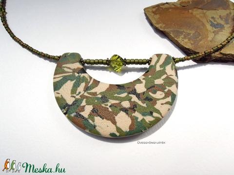Terepmintás medál, nyaklánc, military stílus (uveggyongyjatek) - Meska.hu