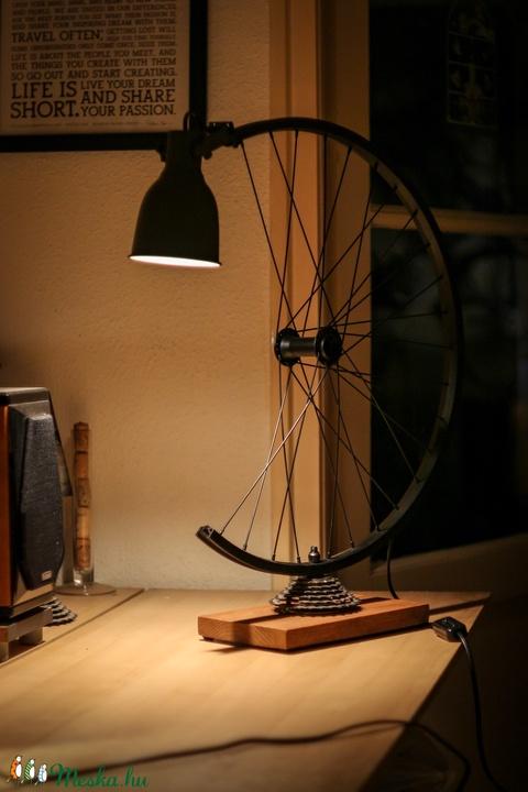 Íróasztali lámpa kerékpár alkatrészekből (vancsikarcsi) - Meska.hu