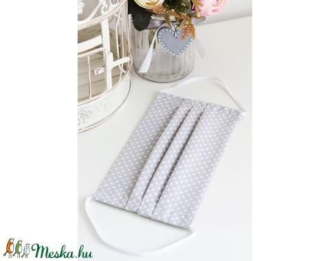 Arcmaszk szűrőtartóval szájmaszk dupla rétegű 100% pamut mosható vasalható újra használható, puha gumival szürke pöttyös (Varrazslat) - Meska.hu