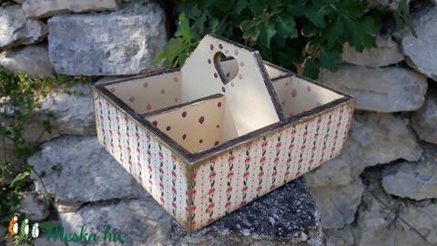 Vintage stílusú tulipános mintás tároló doboz osztott négyes (vintageajandek) - Meska.hu
