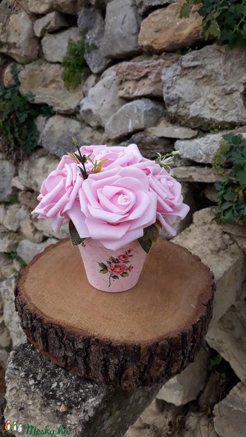 Rózsabox  rózsaszín rózsákkal vintage cserép kaspóban (vintageajandek) - Meska.hu