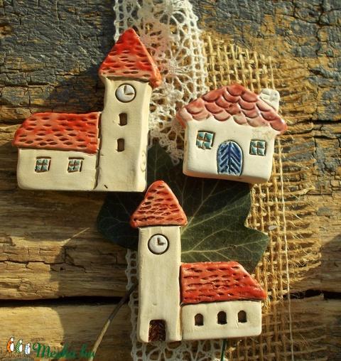 Apró ház templomokkal (VintageGarden) - Meska.hu
