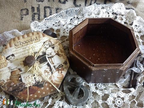 Csokis , bon-bonos  dobozka (vmorsy) - Meska.hu