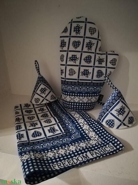 Kék kockás szívecskés konyha ruha és edényfogó kesztyű szett (VODIKA) - Meska.hu