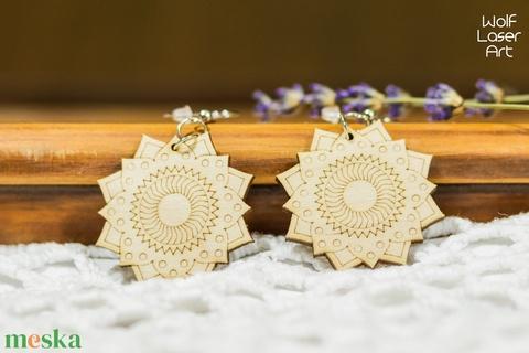 Szerelem mandala fa ékszer - virágos - fülbevaló - lézervágott - natúr ékszer - harmónia - spirituális jóga - Meska.hu