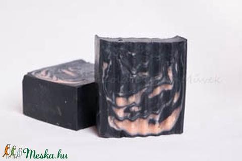 AKCIÓS fekete-rózsaszín arcmosó szappan SZÉPSÉGHIBÁS (zolddisznomuvek) - Meska.hu