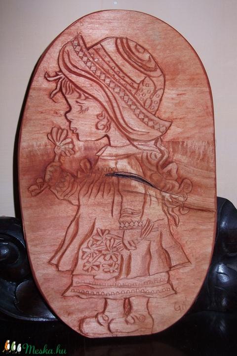Egyedi Kézzel szobrászolt fa dombormű ,  falikép/relief