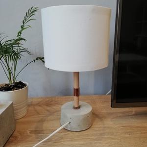 Asztali lámpa T1, Otthon & Lakás, Lámpa, Asztali lámpa, Mindenmás, Letisztult stílus kedvelőinek. A betonból készült tárgyak, egyre nagyobb gyakorisággal fordulnak elő..., Meska