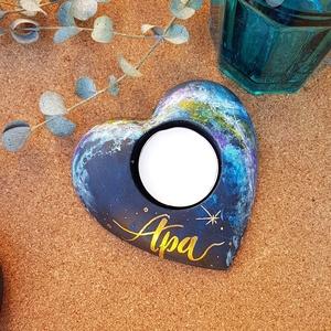 Apának - Szív alakú Csillagköd mécsestartó Apa felirattal, Otthon & Lakás, Dekoráció, Gyertya & Gyertyatartó, Festett tárgyak, Mindenmás, Csillagköd - Szív alakú mécsestartó betonból. A felületét akrilfestékkel festettem, a felirat vízáll..., Meska