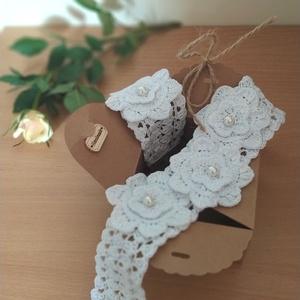 Virágos- Gyöngyös Hófehér Szett- Ezüst Kapoccsal, Esküvői szett, Esküvő, Horgolás, Horgolt, kissé csipke hatású, virágokkal díszített fehér alkalmi szett.\nSzép kiegészítője lehet egy ..., Meska