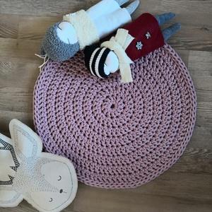 Horgolt rózsaszín kerek szőnyeg, Otthon & lakás, Lakberendezés, Lakástextil, Szőnyeg, Horgolás, Rózsaszín, kézzel készült kerek szőnyeg. A bemutatott szőnyeg 5 mm-es 100% pamut zsinórfonalból kés..., Meska