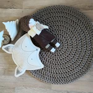 Barna kerek szőnyeg skandináv stílusban, Otthon & lakás, Lakberendezés, Dekoráció, Lakástextil, Szőnyeg, Horgolás, Barna, kézzel készült kerek szőnyeg.\nA bemutatott szőnyeg 5 mm-es 100% pamut zsinórfonalból készült...., Meska