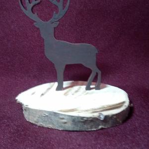 Szarvas alakú dísz, Karácsony & Mikulás, Karácsonyi dekoráció, Mindenmás, Festett tárgyak, 3D nyomtatással készült szarvas formájú dísz.\nA dísz mérete: 7 cm magas és 6 cm széles.\nA fehér dísz..., Meska