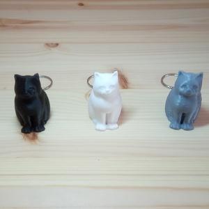 Macskás kulcstartó, Táska & Tok, Kulcstartó & Táskadísz, Kulcstartó, Ékszerkészítés, A figurák 3d nyomtatással készülnek.\nVálasztható színek: fekete, fehér, szürke.\nAz ár egy darabra vo..., Meska